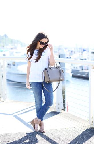 dress corilynn blogger top jeans shoes bag sunglasses