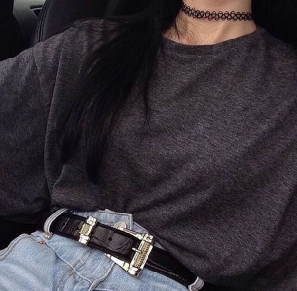 top grunge grey top jeans shirt High waisted shorts high waisted jeans boyfriend jeans hipster jewels necklace jewelry choker necklace black choker grunge jewelry