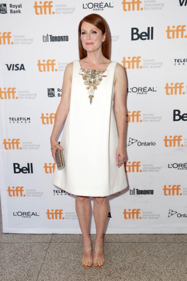 dress white dress julianne moore shoes