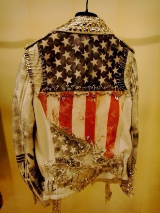 jacket coat bomber jacket oversized american flag american apparel american vintage vintage washed-out saftey pins jacket ripped ripped denim denim jacket denim jacket vintage coat denim print stars stars and stripes red white blue long sleeves fashion style streetwear streetstyle street clothes