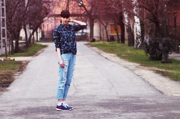 mes memos jeans shoes shirt