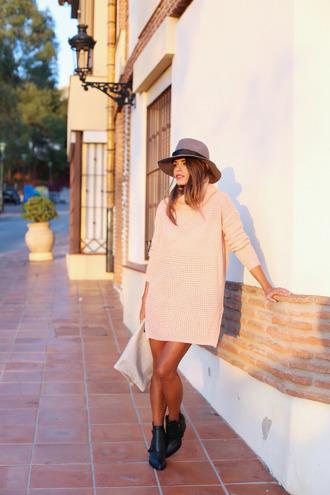 jewels hat bag blogger seams for a desire turtleneck