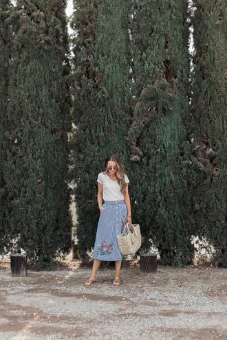 skirt midi skirt striped skirt embroidered skirt t-shirt basket bag sandals blogger blogger style