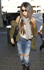jacket,jenny backpack,selena gomez,long hair,scarf,jeans,shirt