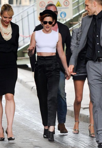 kristen stewart top hat shoes crop tops