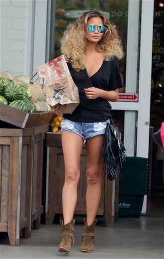 shorts chrissy teigen ankle boots top purse sunglasses bag shoes