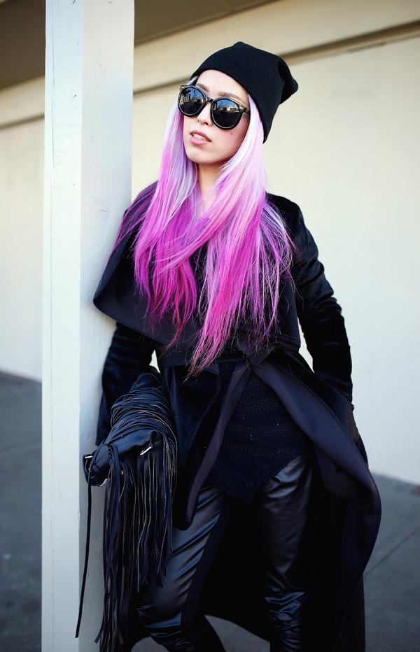 cd9a106cbb9 aika y aika s love closet blogger all black everything fringed bag leather  leggings black sunglasses pink.