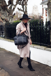 into the fold,bag,sweater,coat,hat,shoes,jeans