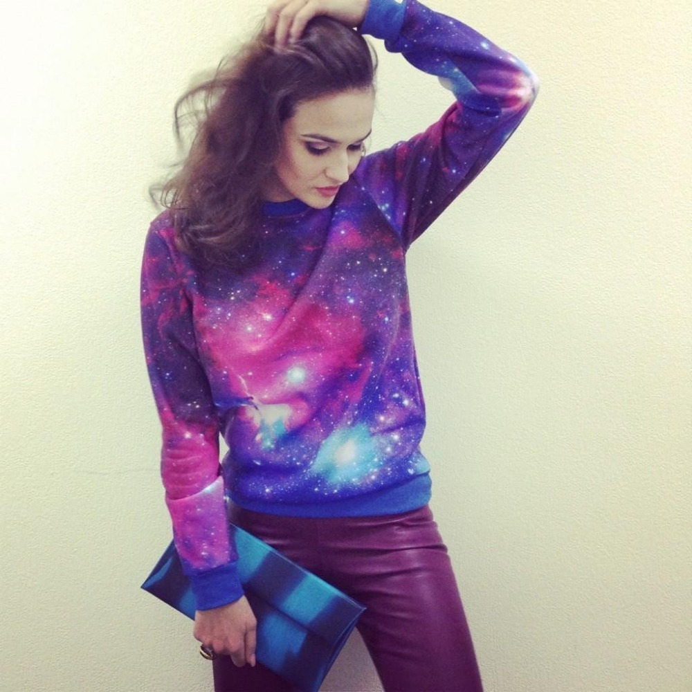 Iswag Women' Galaxy Print Sweatshirt Loose Autumn Winter Nebula Fashion Style Hoodies Free Shipping10037-in Hoodies & Sweatshirts from Apparel & Accessories on Aliexpress.com