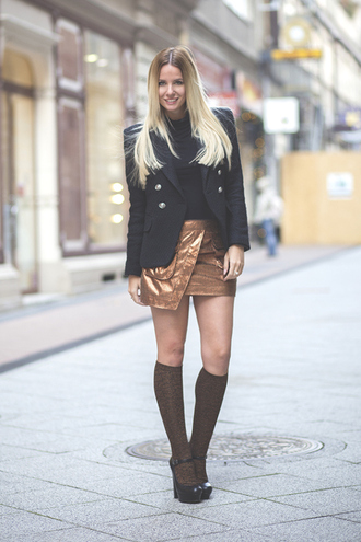 the sense blogger asymmetrical knee high socks black heels blazer
