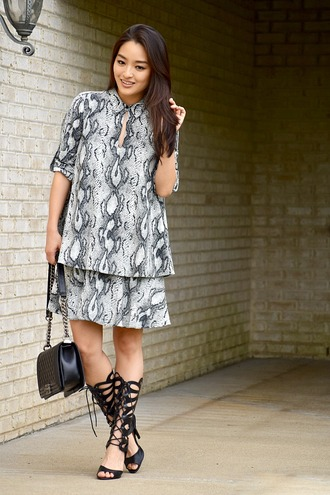 sensible stylista blogger dress shoes bag snake skin snake print animal print short dress three-quarter sleeves chanel chanel bag black bag sandals gladiators