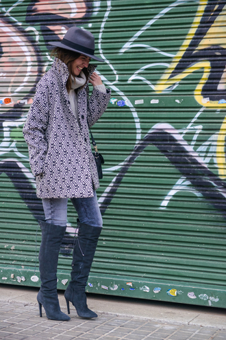 bag blogger shoes coat jeans lovely pepa sweater hat