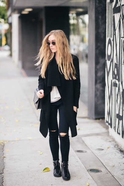 eat sleep wear blogger black jeans ripped jeans knitted cardigan black ripped jeans