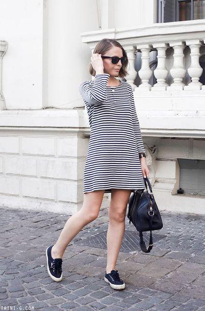 long sleeve dress, short dress, bag