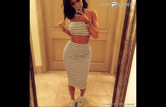 shoes kylie jenner beautiful skirt black white pencil skirt nike shoes