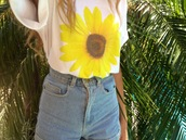 t-shirt,summer,shorts,flowers,yellow daisy tshirt