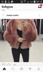 coat,doux,manteau,hiver,winter outfits,class,classy,mode,pink,rose,pale,laine,fausse fourrure,fourrure