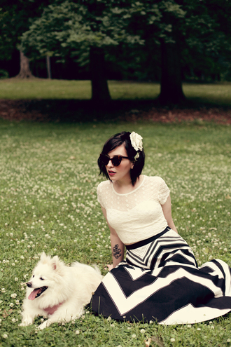 keiko lynn t-shirt skirt shoes sunglasses