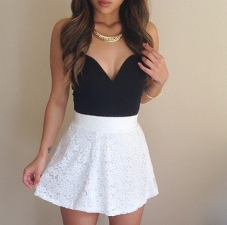 top lace cute bustier black top black bustier skirt white skirt white skirt with flowers lace skirt jewels jewelry necklace gold necklace gold jewelry outfit summer classy