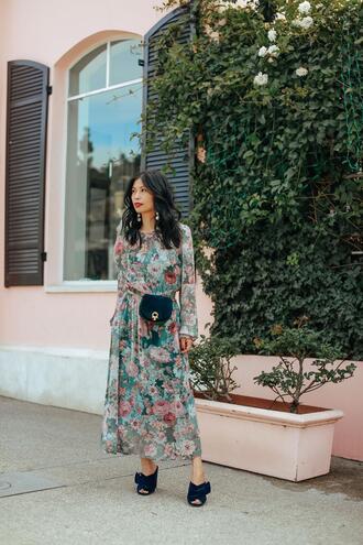 mamainheels blogger dress belt bag jewels maxi dress mules spring outfits