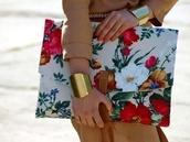 bag,floral,envelope clutch