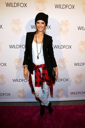 jeans fall outfits beanie alessandra ambrosio ripped jeans