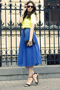 oh my blog t-shirt skirt belt bag jewels shoes sunglasses