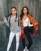 sweater,gryffindor,grey,red,harry potter,comfy,cosy sweaters,jeans