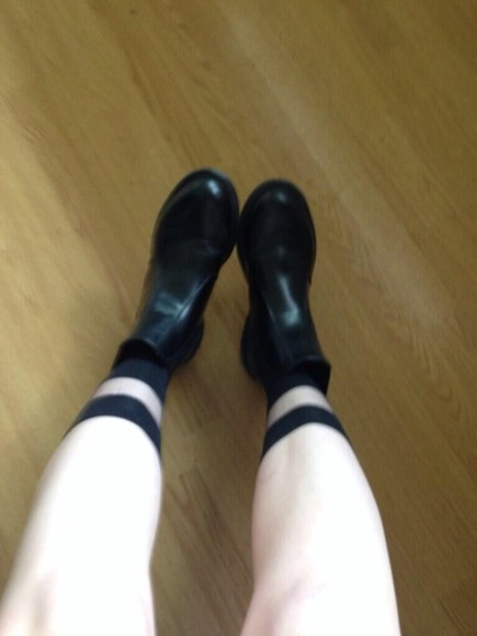 shoes black boots black boots leather shorts