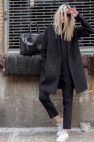 pants black coat black pants