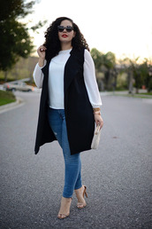 girl with curves,blogger,jacket,top,jeans,sunglasses,bag,jewels,shoes,make-up,plus size top,plus size jeans,plus size,curvy