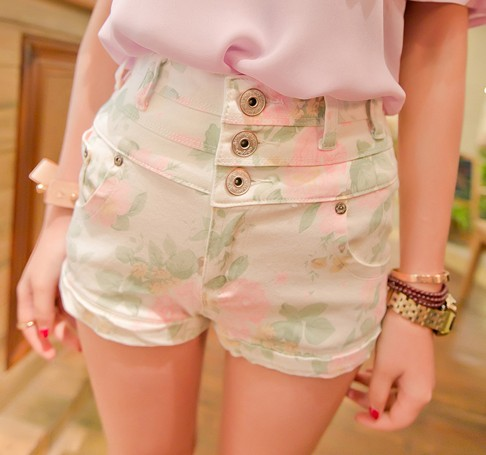 Vintage inspired high waist floral shorts from moooh!! on storenvy