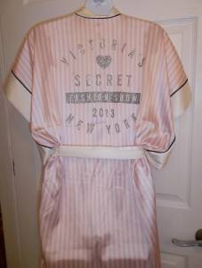 Victoria's Secret 2013 Fashion Show Silk White Pink Robe One Size Swarovski Crys - Sleepwear & Robes