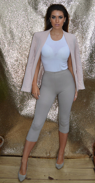 Nude cropped leggings