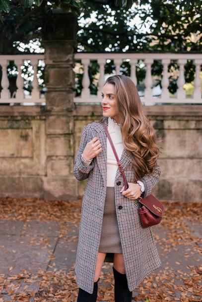 coat tumblr grey coat plaid plaid coat plaid skirt mini skirt grey skirt top black top bag red bag