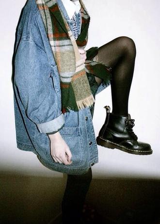 coat jacket vintage denim jeans hipster scarf blouse oversized denim jacket grunge grunge jean jacket shoes black booties grunge boots grunge jacket 90s style pale soft grunge pale grunge teenagers