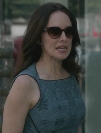 madeleine stowe revenge dress jacquard dress sunglasses