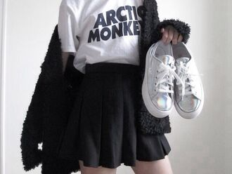 t-shirt band t-shirt artic monkeys black skater skirt white converse black cardigan sweater skirt shoes silver metallic platform sneakers cardigan converse olographic raibow white olographic white shoes olographic shoes