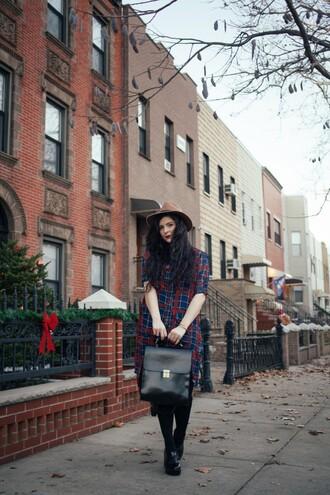 noelles favorite things blogger winter dress satchel bag