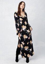 dress,floral maxi dress,floral dress,floral v neck maxi dress,bohemian maxi dress,floral v neck dress,side slit maxi dress,long sleeve maxi dress,empire waist dress,vintage inspired dress,plunge v neck,slit dress