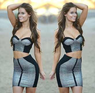 skirt two-piece fashion crop tops snake print black outfit crop top bustier top