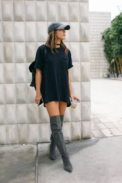 shoes,boots,cute,tumblr,lit,grey,shirt,baddies,long,short sleeve,long shirt,dress,black dress,black,simple dress