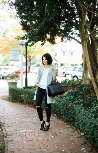 life & messy hair blogger cardigan shoes sunglasses jeans bag t-shirt handbag givenchy bag booties black jeans