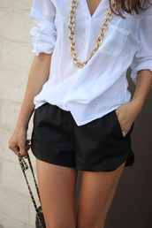 shorts,leather pants,leather shorts,black shorts,white t-shirt,blouse,jewels,jewelry,chain,gold chain necklace,necklace,tumblr outfit,tumblr shorts,black and white dress,gold chain