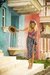 cardigan,cover up,beach skirt,skirt,sarong,black and white,wrap skirt,swimwear