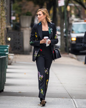 pants,blazer,suit,karlie kloss,model off-duty,top,floral