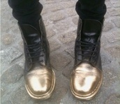 shoes,black and gold,leather,leather boots