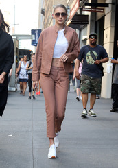 pants,jacket,gigi hadid,crop tops,model off-duty,streetstyle,sunglasses,cropped jeans