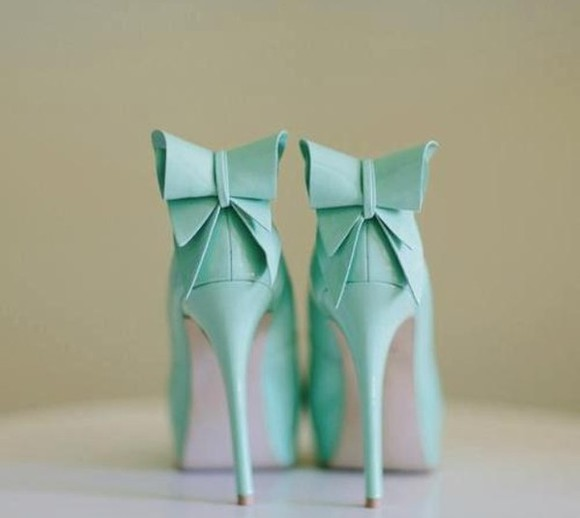 shoes tiffanyblue high heels tiffany blue mint bows bow high heels, bows bow heels bow high heels mint green cute high heels pumps mint green pumps platform shoes platform platform high heels bow tiffany blue shoes skirt