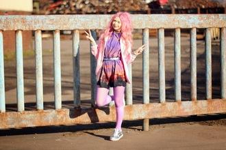 kayla hadlington blogger print pink